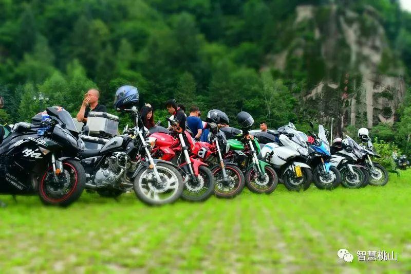 第二届中国摩托迷网伊春・桃山露营文化节在悬羊峰开幕取得圆满成功!