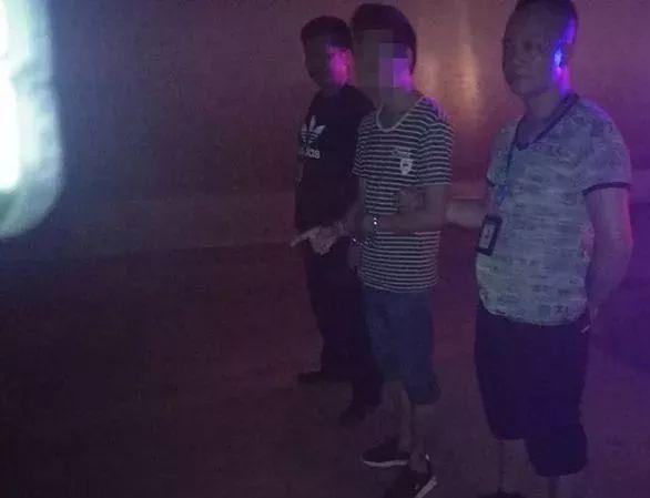 宜宾一35岁男子隧道内猥亵65岁妇女,杂个下得了手。