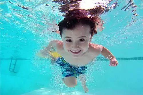 40℃高温来袭!泸州各大泳池价格线路大集合,让你清凉一夏!