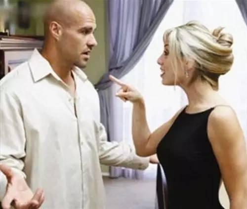 离婚时,他净身出户,老婆竟还不满足……