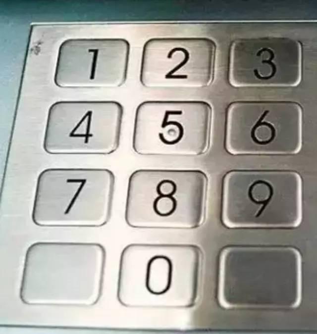 为什么提款机的键盘要用金属?看完之后长知识了…