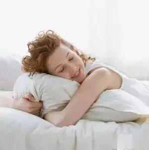 每天睡多久最合适?这个数!睡多睡少都有危害