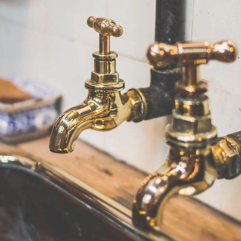 生活帮丨一杯热水倒进下水道,厨房半年没异味,太简单了