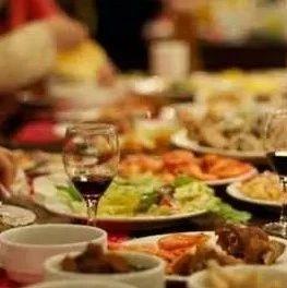 不吃晚饭=减肥?别傻了!不吃晚饭的好处可能只有这一个…