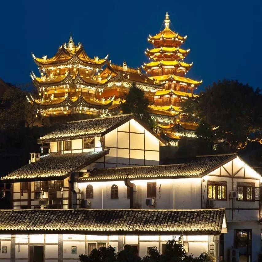 重庆今年内可坐轮渡夜游磁器口