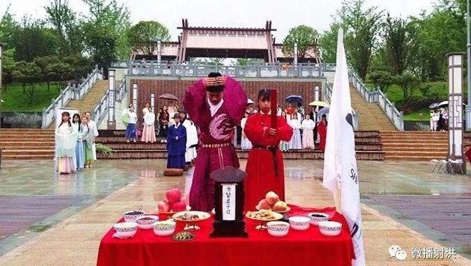 """着汉服行古礼射洪夏日传统文化展演带你""""穿越""""古代"""