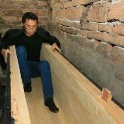29岁农村小伙买棺材等死,原因让人无奈至极!
