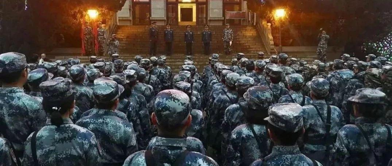 凌晨宣布!武汉挺住,更多解放军来了!!
