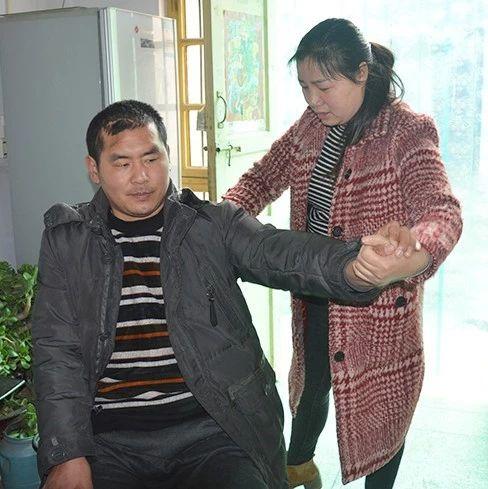 5年不离不弃!纸坊镇的吴亚丽用行动诠释爱的坚守!