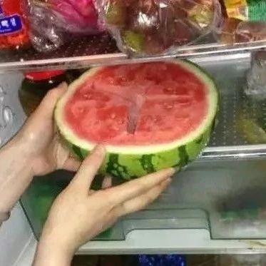 一块冰西瓜下肚,竟导致小肠坏死!隔夜西瓜还能吃吗?