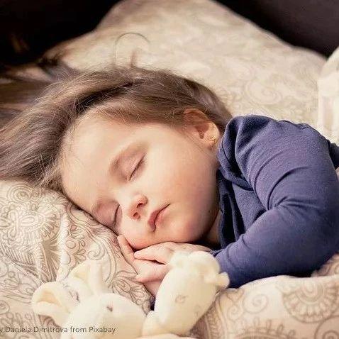 入秋后,睡梦中出现5种不适,是身体求救信号!千万别忽视