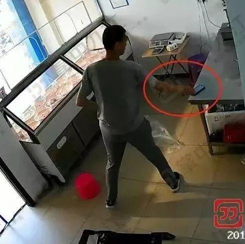 见到此人请报警!九江一男子光天化日进店偷手机,视频曝光.....