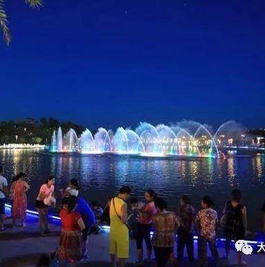 抽个时间去看大足海棠湖公园的音乐喷泉,实在太漂亮!