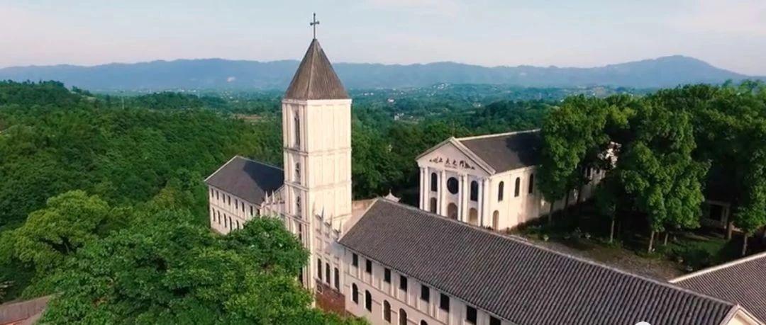 大足原�磉�有一��有�W洲�L情教堂的小�,�@里�有保存完好的烈士故居...