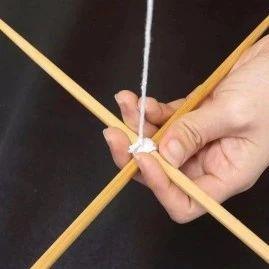 旧筷子不要扔,用绳子绑一绑挂在阳台上,全家人都夸好,太棒了