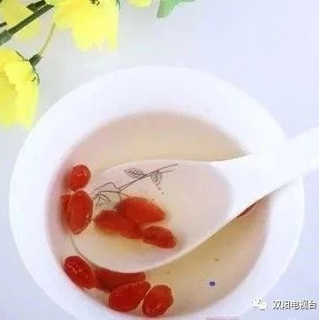 【健康与生活】胃不好的时候,最好别碰这5种水果,再有营养也不行!