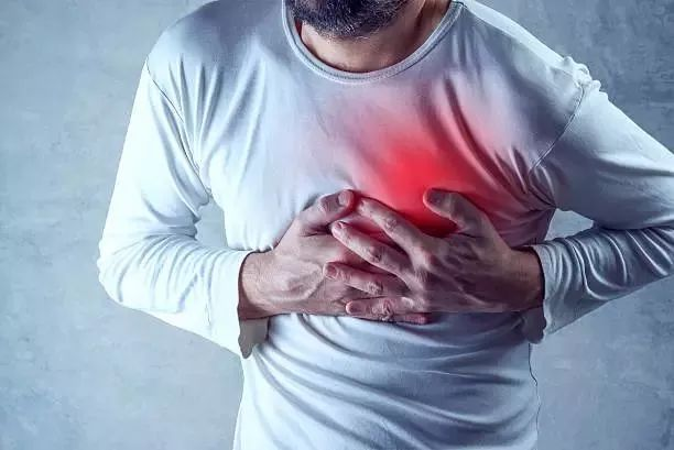 �^痛、肩痛、肚子痛…忍忍就�^?有些痛真的不容忽�