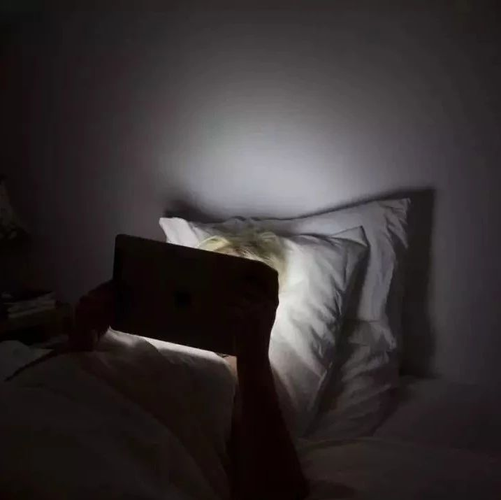 凌晨3-4点醒后一直睡不着,切忌做这些事情!