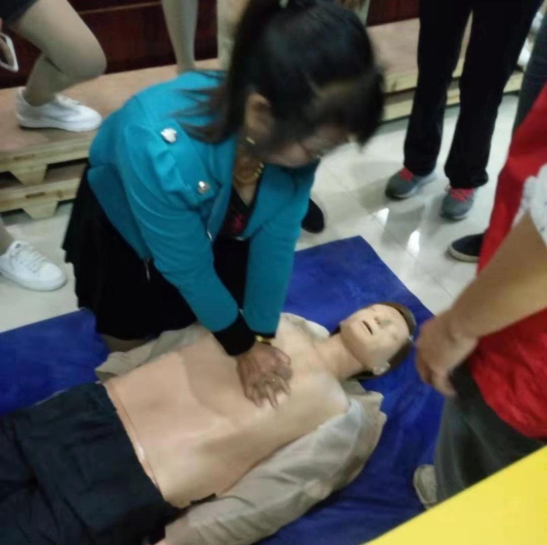 县红十字会举办第一期红十字养老护理员培训班