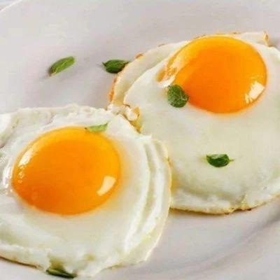 荷包蛋总是煎不好?教你一招,煎出来的鸡蛋又圆又嫩!