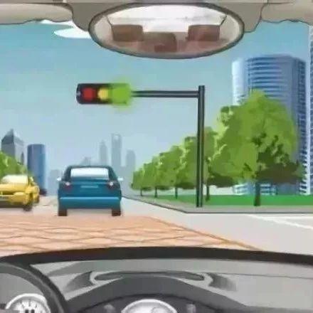 """注意!这三种情况""""闯绿灯""""也违法,90%的老司机都不知道…"""