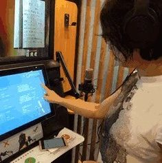 朗读亭入驻合江县图书馆,让我们感受小天地里的有声大世界