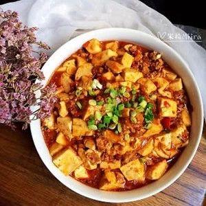 麻婆豆腐:麻辣鲜嫩,就着米饭,能吃3大碗