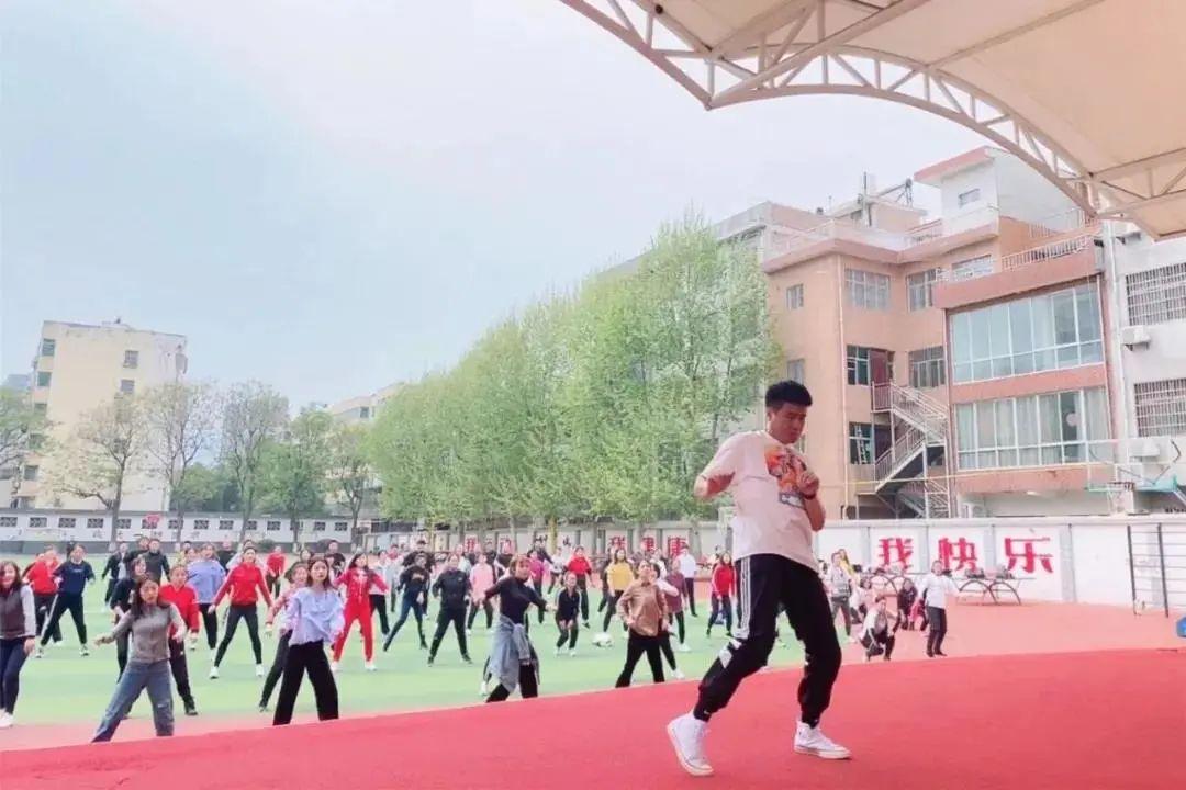 蓝田关注|2021年蓝田县校园啦啦操教练员培训活动在北关小学举行