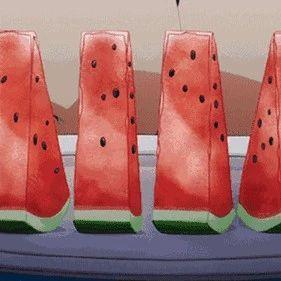 吃西瓜最好别用勺!这才是正确的吃瓜姿势...