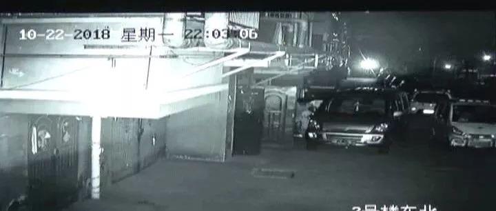 【猖狂】嘉祥一男子一夜狂偷7辆车被抓时撞警车