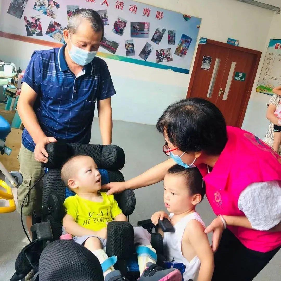 【情暖中秋献爱心】于都爱心妈妈走进长健康复中心看望特殊儿童!