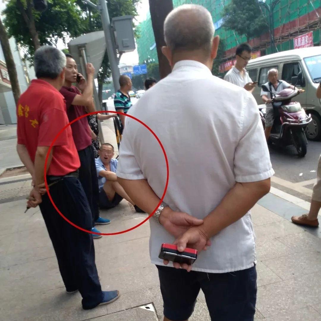 曝光!宜宾一公交车司机被殴打,打人者竟是......(视频)