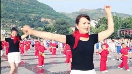 彬州市开元广场,千人舞蹈,航拍视频曝光!太震撼了!