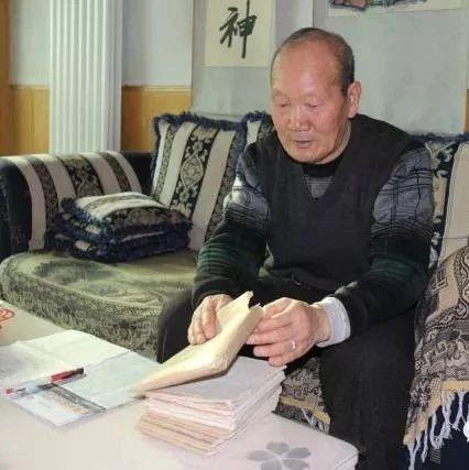 彬州市农村80岁退休教师马宇飞,二十年心血著成百万字长篇小说《白墨绘》!