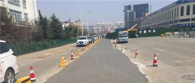 济宁火炬路施工便道通车啦!两侧新增右转车道