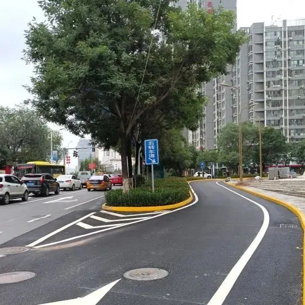 秦州区藉河北路右转车道投入使用