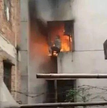 """合租房发生火灾,租客被困,莫让防盗窗成为""""夺命窗"""""""