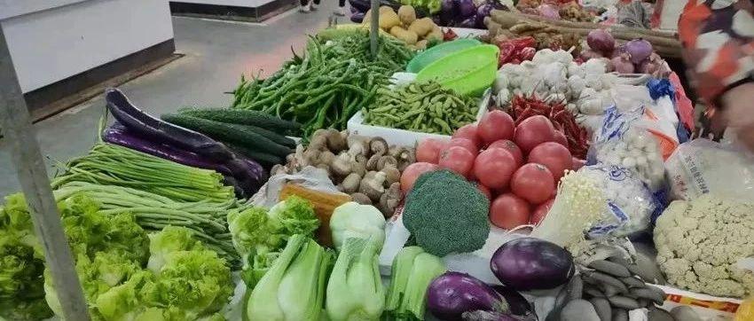 今天去鄱阳湖菜市场,发现湖口人最爱买的是这个...