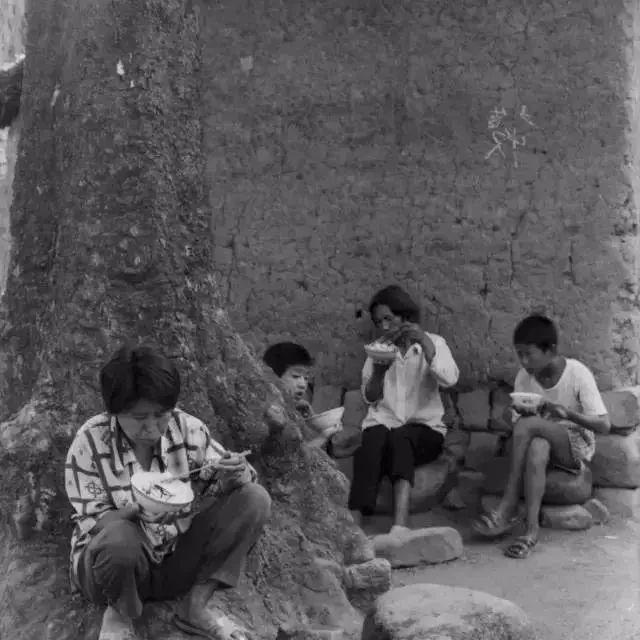 一组湖口农村吃饭老照片,刷爆了朋友圈!