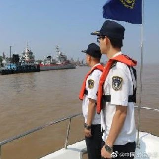 """""""九江舰""""回湖口啦!它在九江的参观活动圆满结束...."""