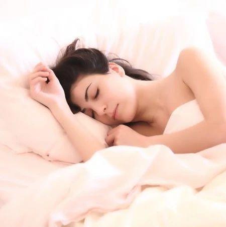 午睡的六大好处,正是午睡的季节...