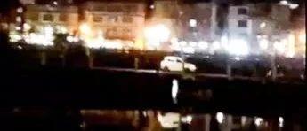 """这种""""硬爱""""的开车行为昨晚又在云湖古桥上演,真真是想无!"""