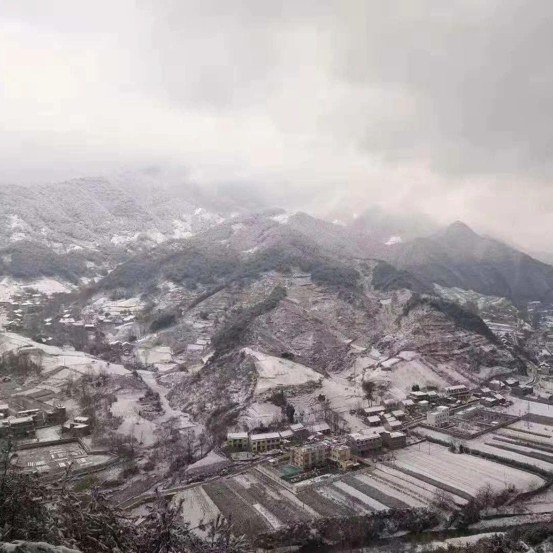 雪落蓝关 蓝田迎来第二场雪!美得很!赏雪走!