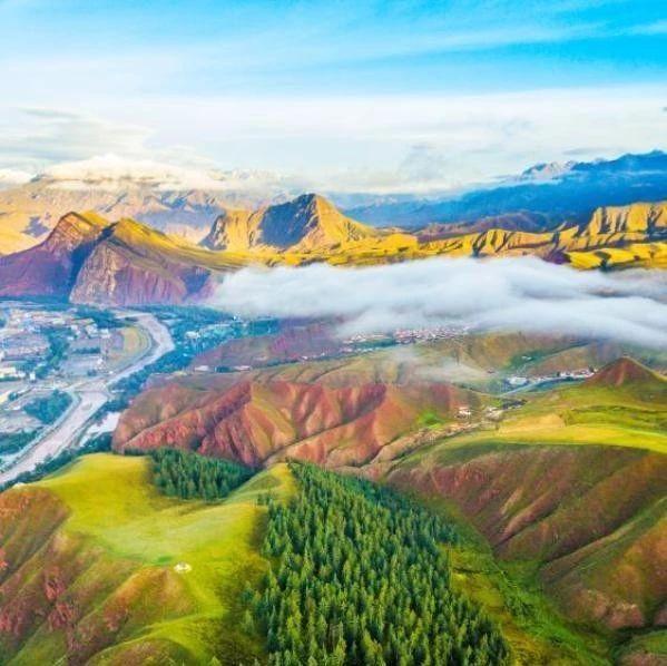 张张都是壁纸!航拍祁连山下最美草原,风光旖旎宛如画卷~