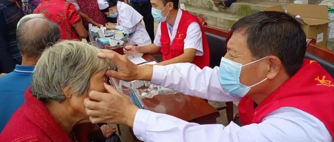 红心向党寸草情深――沂水县人民医院党委走访第一书记村