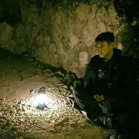 李连杰:重疾缠身山洞打坐,我的不丹、尼泊尔之行!(视频)