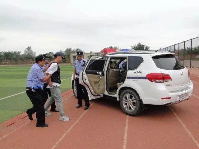 太平镇举行校园反恐应急演练