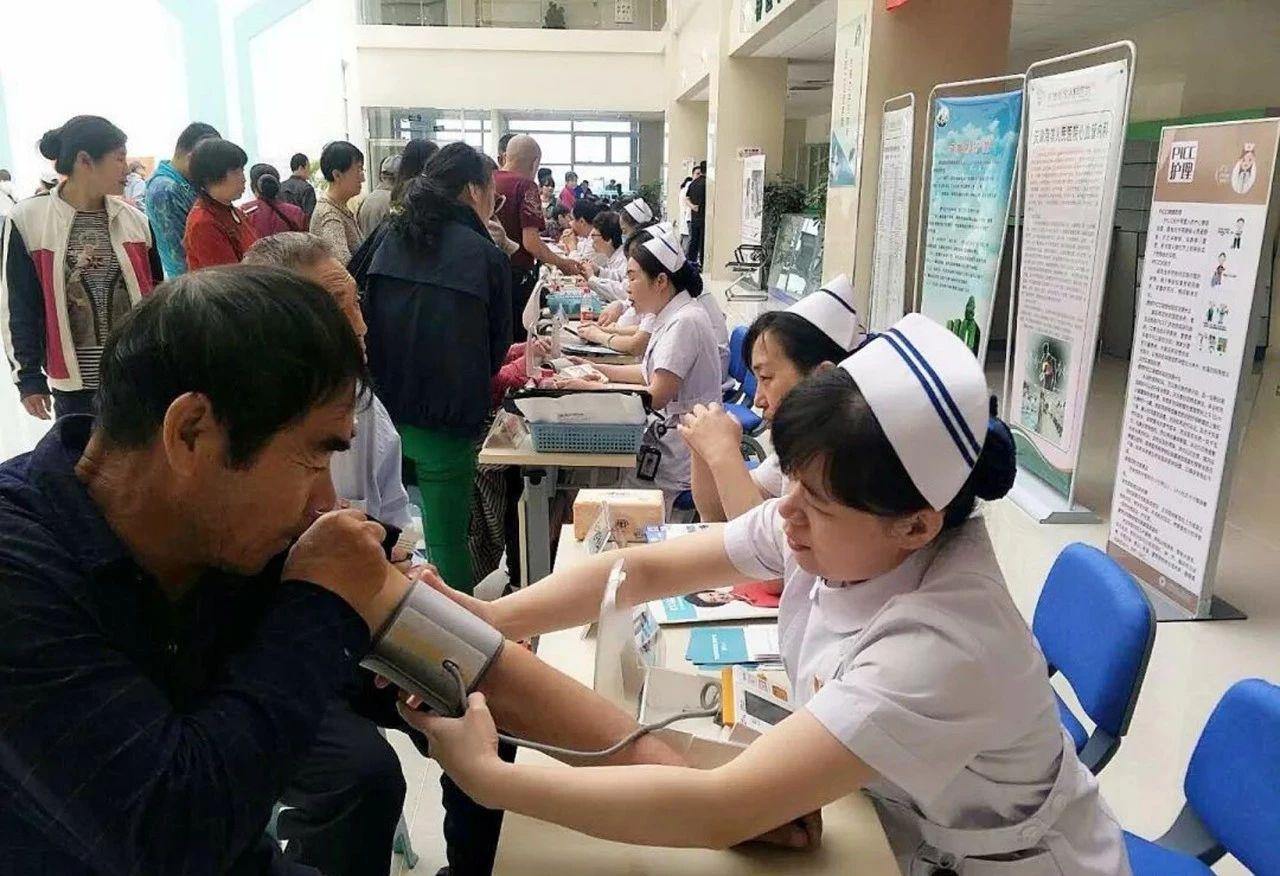海滨医院护士节义诊活动