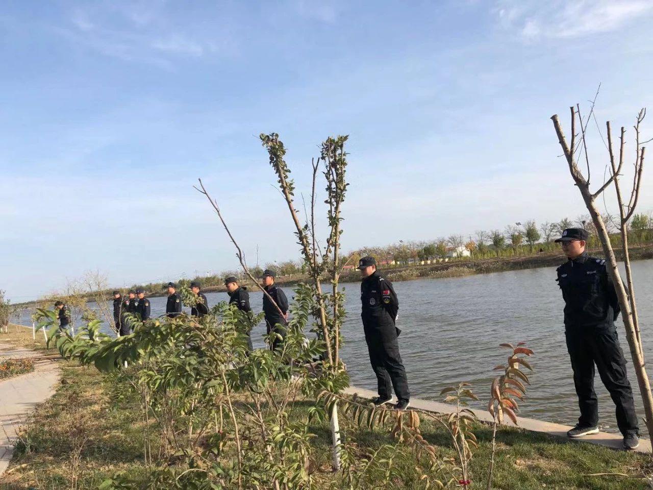 太平镇强制清除河道网具和网箱