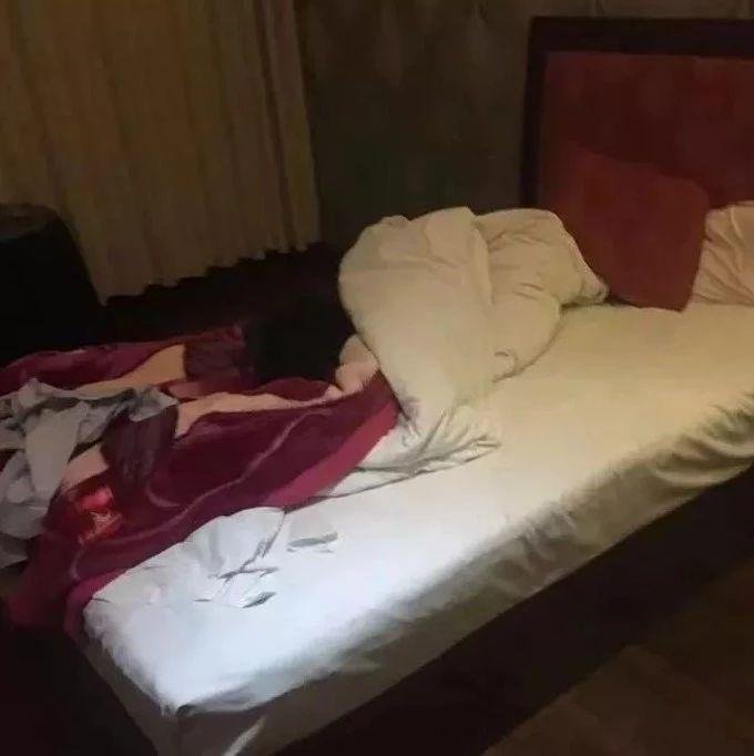 男子趁男同伴醉酒带到酒店猥亵!男同伴醒后痛得不行报警!